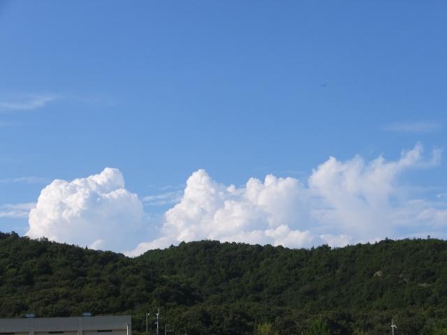 夏に入道雲ができるのはなぜ?発生する仕組みと名前の由来もご紹介!