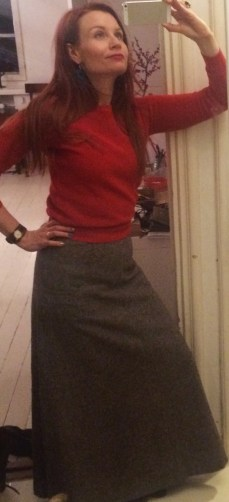 Here is a combo that I wear a LOT: a little red sweater (from the flea market), and a long wool skirt (from the vintage section) - nothing keeps you warmer than this during the winter months!