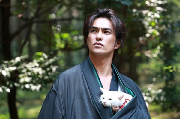 130920nekozamurai top 600x399 - 北村一輝×猫のドラマと映画『猫侍』。ドラマは10月スタート、映画は来春公開