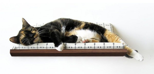 131007catbed05 600x291 - モダンな猫ベッドシリーズ:Curve Pet Bed