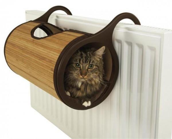 131218catbed 600x485 - 暖房器具に引っかける、あったかバンブー猫ベッド