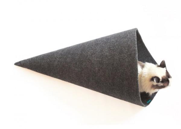 150311temakineko02 600x428 - 手巻き寿司型猫ベッド、その名はTEMAKI
