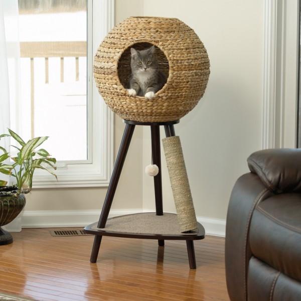 150714Sphere02 600x600 - 宙に浮くちぐら風情の猫ベッド、坐す猫は下界を見わたす