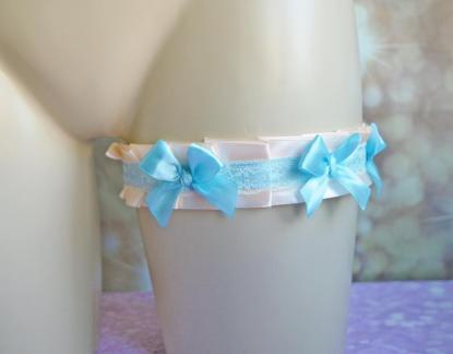 Pastel garter