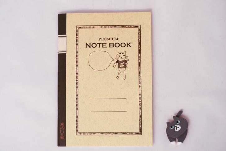 ノートとマグネット