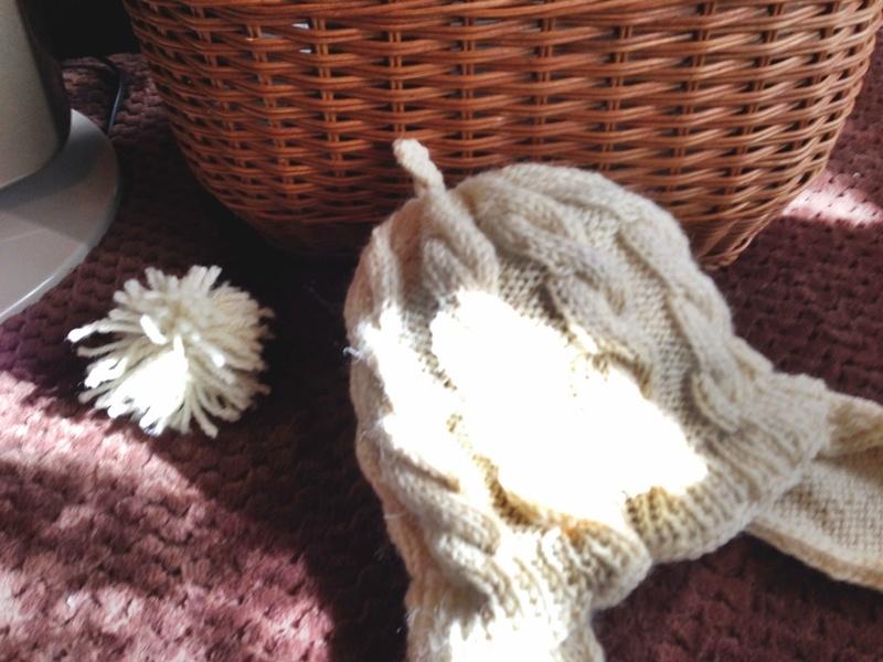 ダカラちゃんのニット帽大人用の編み図作ったのでどうぞ♪