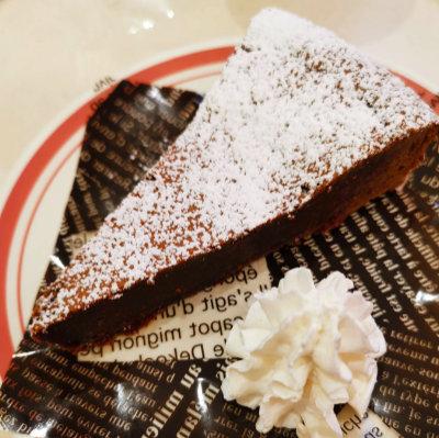 はま寿司のチョコレートケーキ