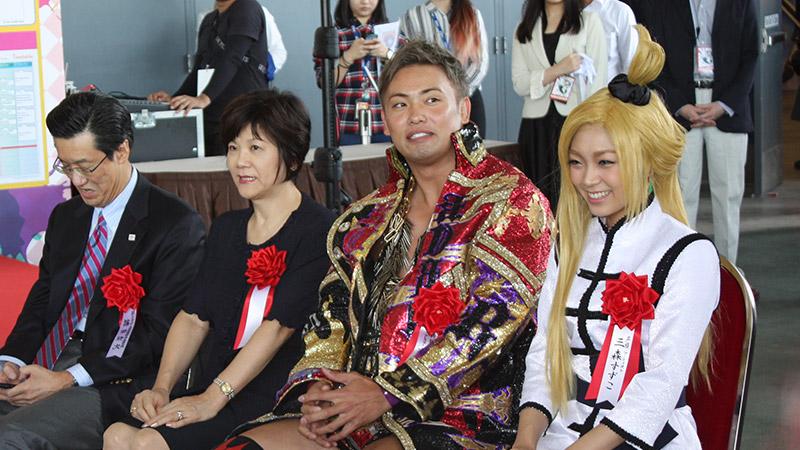 Seiyuu Suzuko Mimori Mengumumkan Pernikahannya Dengan Pegulat Kazuchika 'Rainmaker' Okada