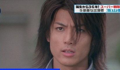 21歳の時に出演したガオレンジャー(画像引用:http://www.officiallyjd.com/wp-content/uploads/2012/02/20120209_tamayama_33.jpg)