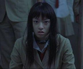 映画「バトルロワイヤル」より(画像引用:http://buta-neko.net/img/movie/br/PDVD_034.jpg)