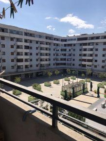 Izdajem jednosoban stan na Starom aerodromu preko puta hotela Kostas, na duži vremenski period, cijena 220eura