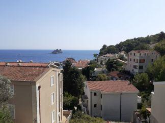 Prodajem kuću sa bazenom i fantastičnom pogledom na more u Petrovcu na moru