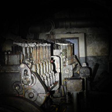 Zwei der vier Dieselaggregate