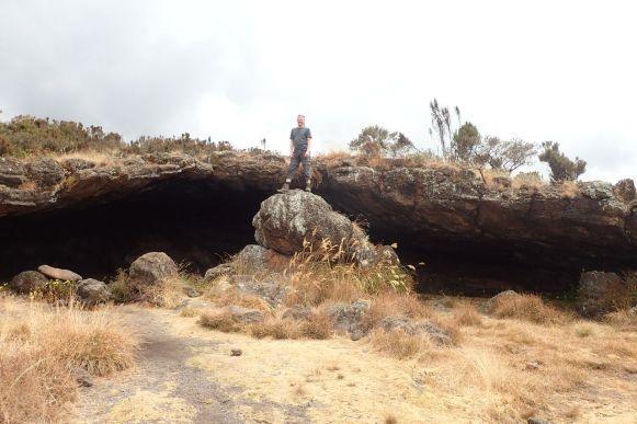 Mittagspause an der Second Cave auf 3450m