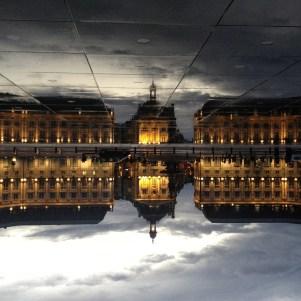 Place de la Bourse Miroir d eau Bordeaux - City Guide Bordeaux - Blog Bordeaux Ne le dites a Personne #Bordeaux #CityGuideBordeaux #MiroirdeauBordeaux #Placedelabourse