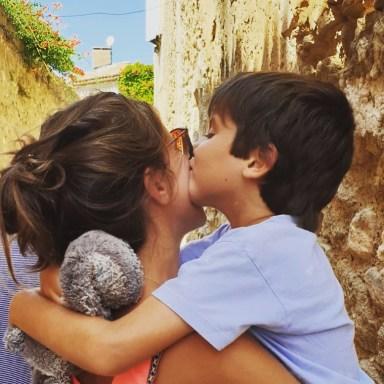 Juliette et son fils exceptionnel - Enorme le reseau social des parents d enfants porteurs de handicap - Blog Maman Ne le dites a Personne #enfantexceptionnel #reseausocial #enfantsdifferents #handicap #autisme #blogmaman #neleditesapersonne