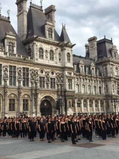 Kadamati - Parvis de l'Hôtel de ville de Paris