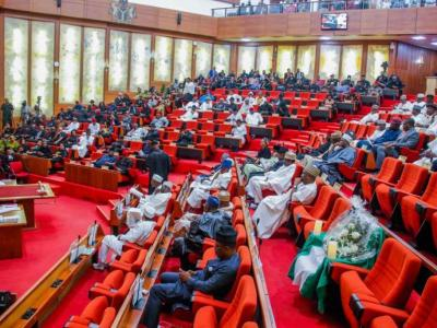 BREAKING: Senate bows to pressure, says INEC can transmit elections electronically