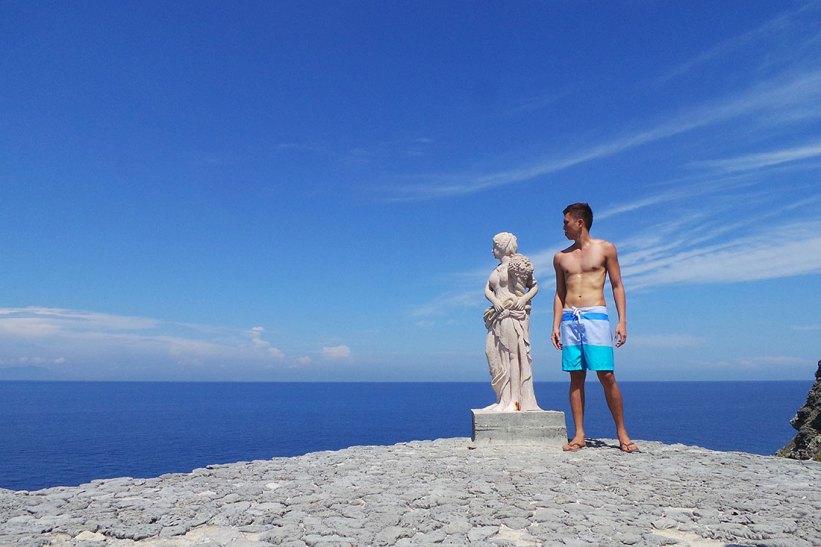 Greek sculpture in Fortune Island