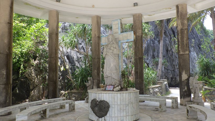 Virgin Mary shrine at Matinloc Island