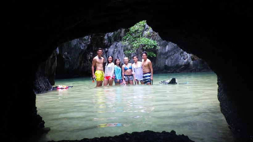 Group photo at Secret Lagoon