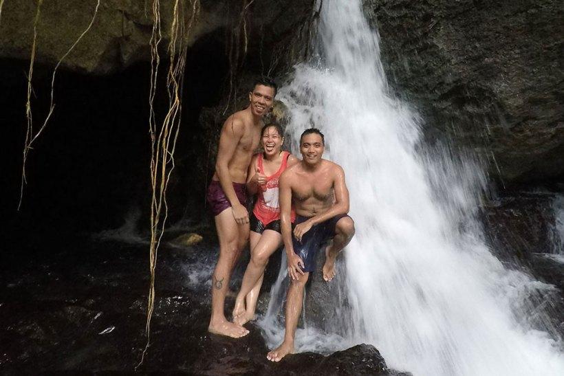 Threesome at Igpasungaw Falls