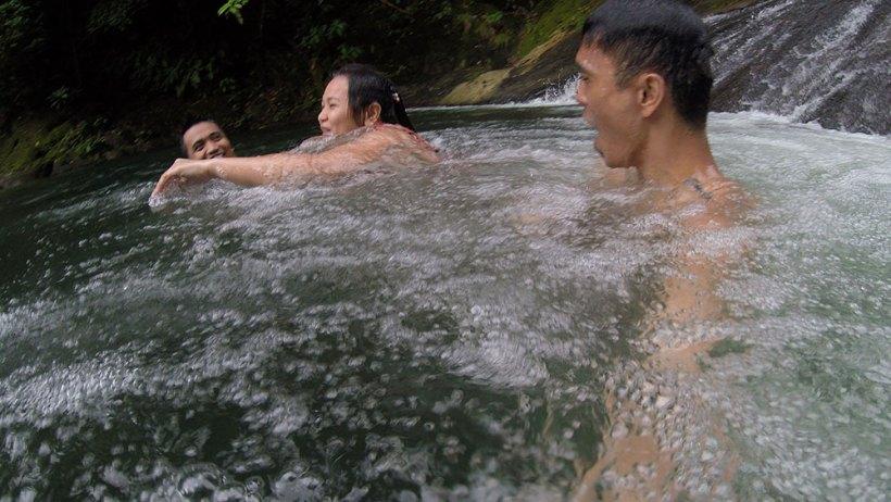 Sliding down Igpasungaw Falls