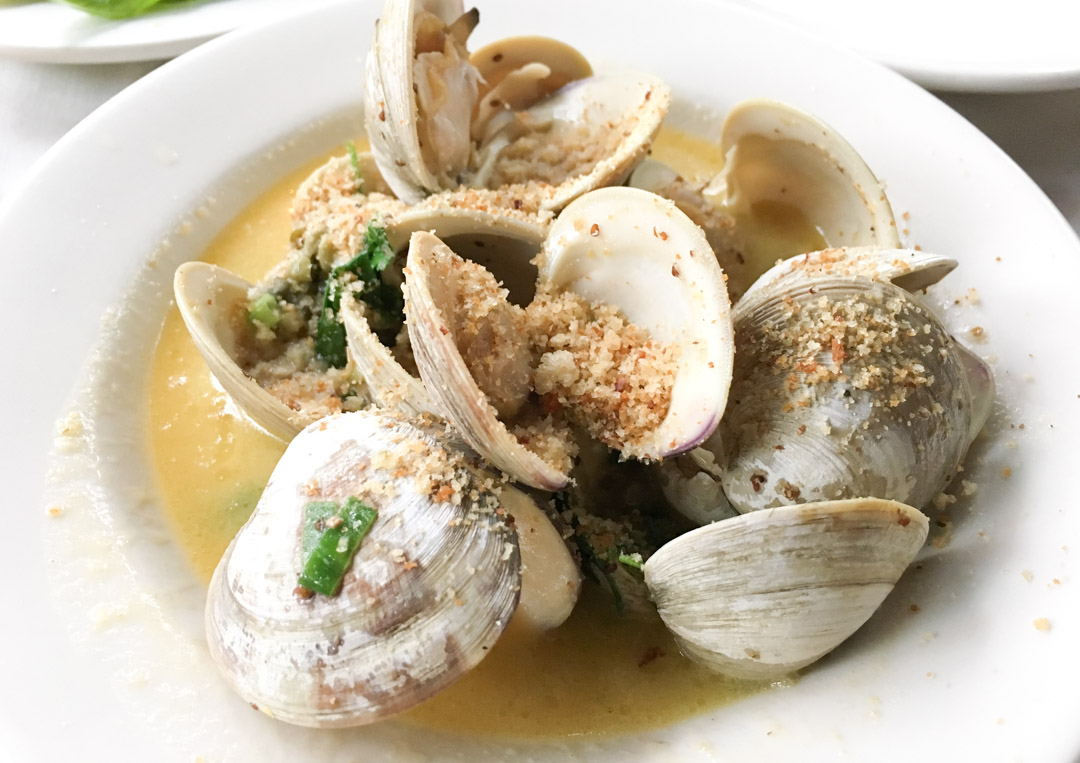Clams in butter sauce
