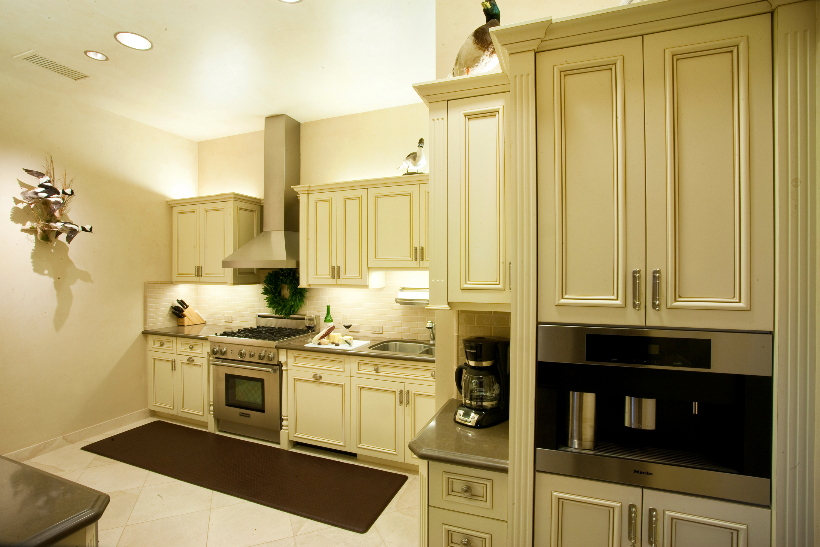 Kitchen With Cherry Cabinets Photo Gallery - Nelson's Cabinets