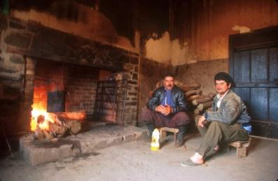 Uruguay, Paysandu, estancia La Calerea, comienza el día de trabajo de los Gauchos con unos Mates, retrato