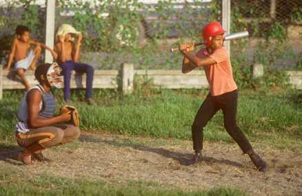 Cuba, Baracoa, Jugador de Beisbol