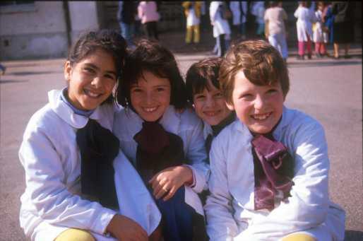 Uruguay, Escolares, buenos amigos