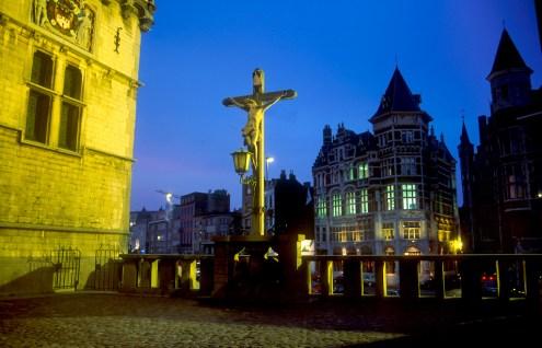 Flandes, Amberes, Castillo Steen, escultura