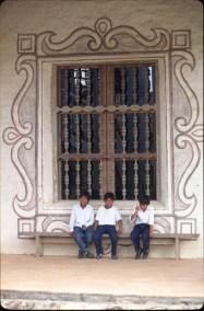 Bolivia, Chiquitania, San Javier, Misión Jesuítica, escolares de de la misión