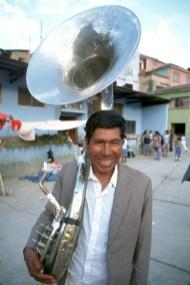 Bolivia, los Yungas, fiesta de Coroico, Cultura Popular, músico del trmbon retrato
