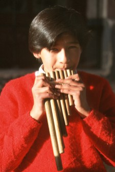 Bolivia, Beni, rio Mamore, Joven músico, retrato