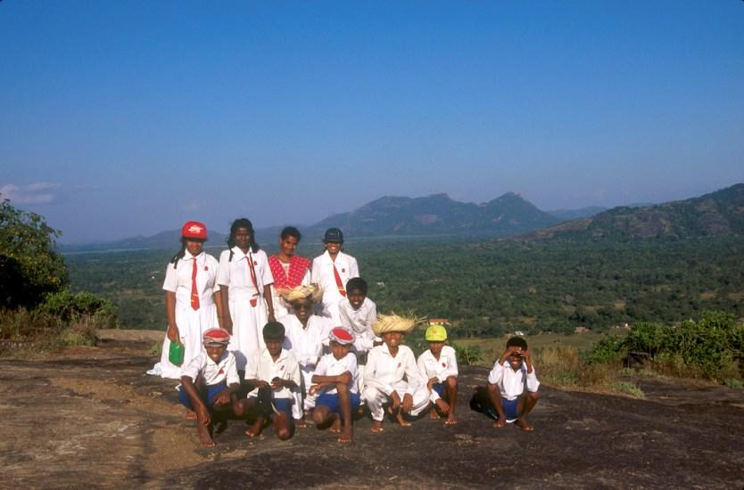 Sri Lanka, Sigiriya, Sri Lanka, Sigiriya, templo de la roca, grupo de escolares de visita