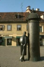 Croacia, Zagreb, Monumento August Senoa, obra de Marija Ujevic, escultura