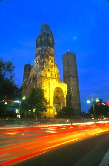 Alemania, Berlín, Monumento al Recuerdo, nocturno