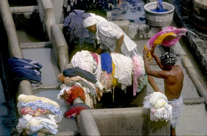 India, Maharashtra, Bombay, lavandería, trabajo