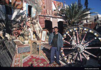 Túnez, Isla de Djerba, Houmet Souk, medina, anticuario, Sr. Ben Ghorbal, retrato