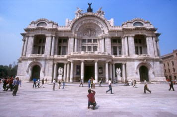 México, DF, Alameda Central, palacio de Bellas Artes, fotógrafo