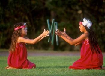 Nueva Zelanda, Isla del Norte, Pahia, Pine Lodge, danza tradicional