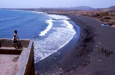 Cabo Verde, Isla Santiago, Cidade Velha, playa, arenas volcánicas