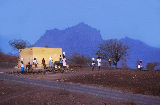 Cabo Verde, isla Santiago, Ribeirao Chiqueiro, fuente de agua