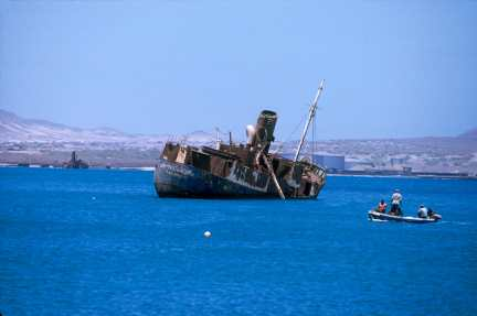 Cabo Verde, Isla Sao Vicente. Varco Encallados