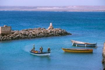Cabo Verde, Isla de Sal, Pedra de Lume, pescadores