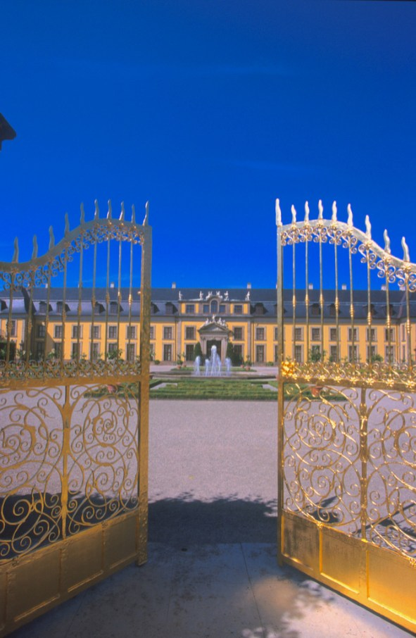 Alemania, Baja Sajonia, Hannover, Jardines Reales Herrenhausen, puerta