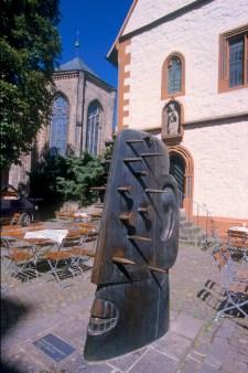 Alemania, Baja Sajonia, Glosar, Cabeza con Clavos, R. Kriester, cultura
