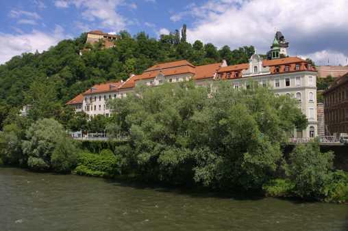 Austria, Estiria, Graz, río Mur, montaña del castillo